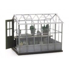 316050 Painted Greenhouse and Plants ( N scale 1/160th)