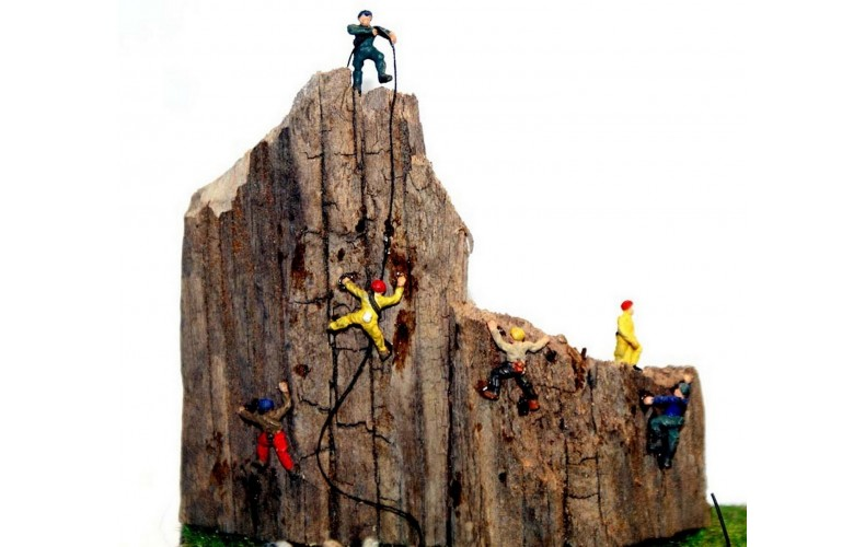 A104 6 Assorted Rock Climbers Unpainted Kit N Scale 1:148