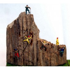 A104p Painted 6 ass Rock Climbers N Scale 1:148