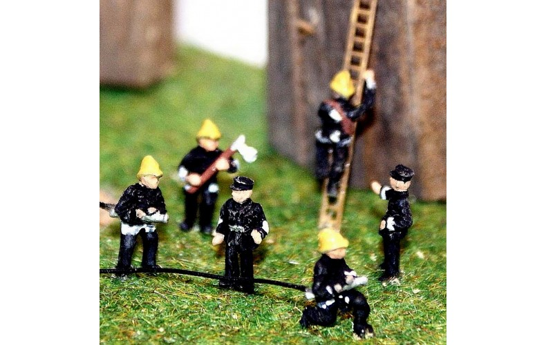 A106 6 Assorted Firemen in action poses Unpainted Kit N Scale 1:148