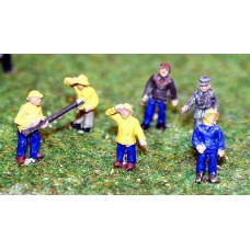 A107 6 Trawlermen/Fisherman Figures Unpainted Kit N Scale 1:148