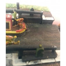 A18d Wide Lock gates Unpainted Kit N Scale 1:148