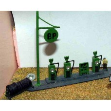 A33 Garage Forecourt scene (1920/30's) Unpainted Kit N Scale 1:148