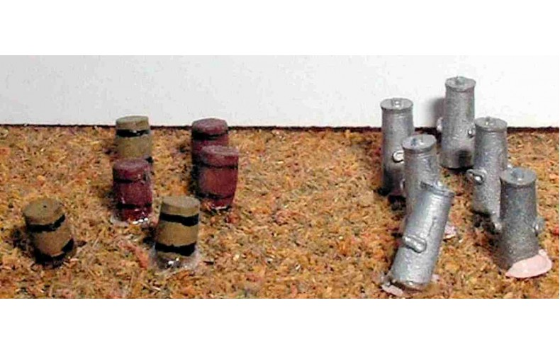 A35 6 barrels (wooden style)& 6 milk churns Unpainted Kit N Scale 1:148