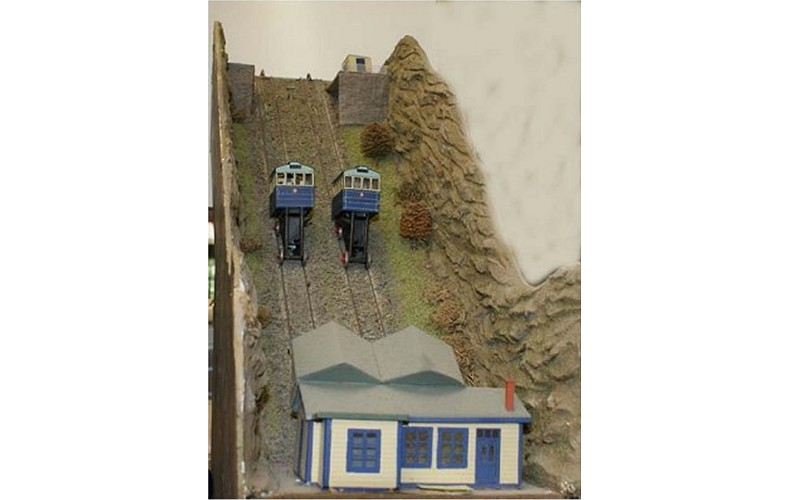 A51 Cliff Railway Incl coaches & motorizing  Unpainted Kit Nscale 1:148
