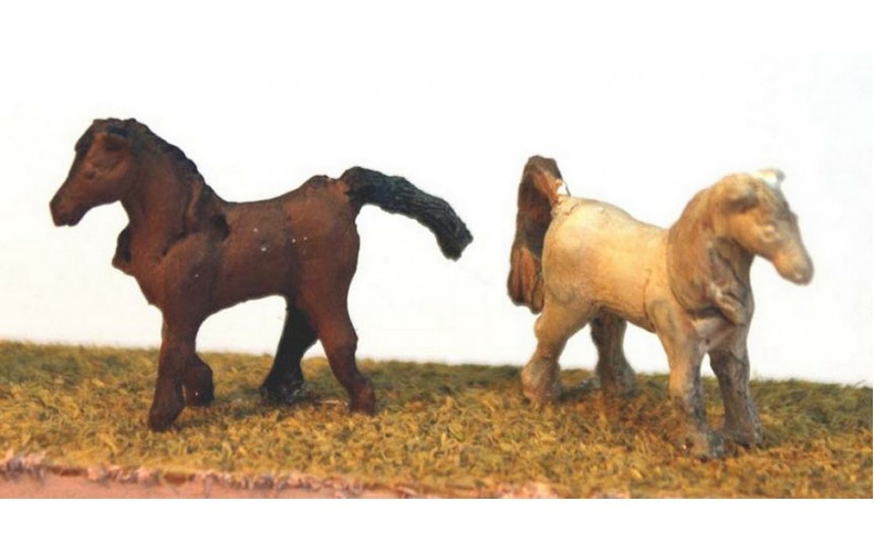A59 2 Unharnessed horses Unpainted Kit N Scale 1:148