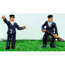 A60 Loco Crew Driver & Fireman Unpainted Kit N Scale 1:148