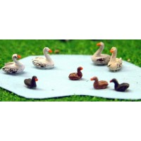 A61 Waterfowl-4 Swans & 4 Ducks Unpainted Kit N Scale 1:148