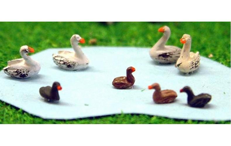 A61 Waterfowl-4 Swans & 4 Ducks Unpainted Kit N Scale 1:148