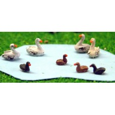 A61p Painted Swans & Ducks x 4 each N Scale 1:148
