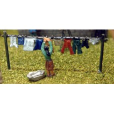 A62 Washing Line & Figure Unpainted Kit N Scale 1:148