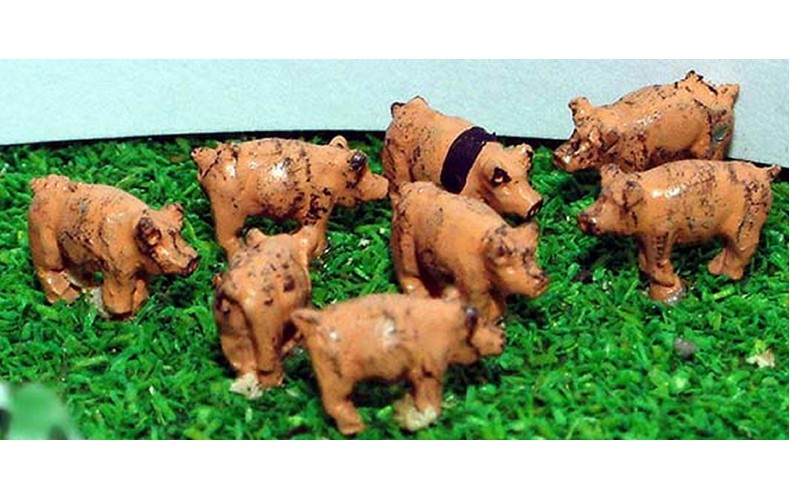 A69 8 Pigs Unpainted Kit N Scale 1:148