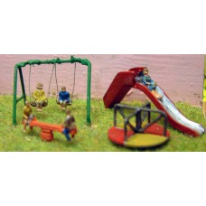 A82 Childrens Playground & figures Unpainted Kit N Scale 1:148