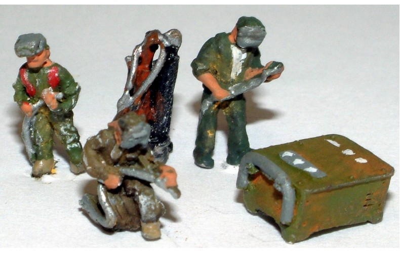 A91 Welding Figures & Equipment Unpainted Kit N Scale 1:148