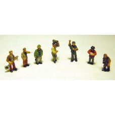A95 7 x Figures in working poses Unpainted Kit N Scale 1:148