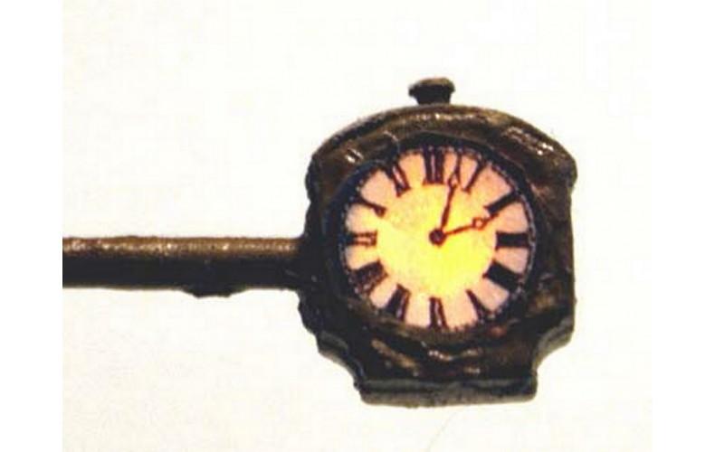 D19 Illuminated Clock Unpainted Kit N Scale 1:148