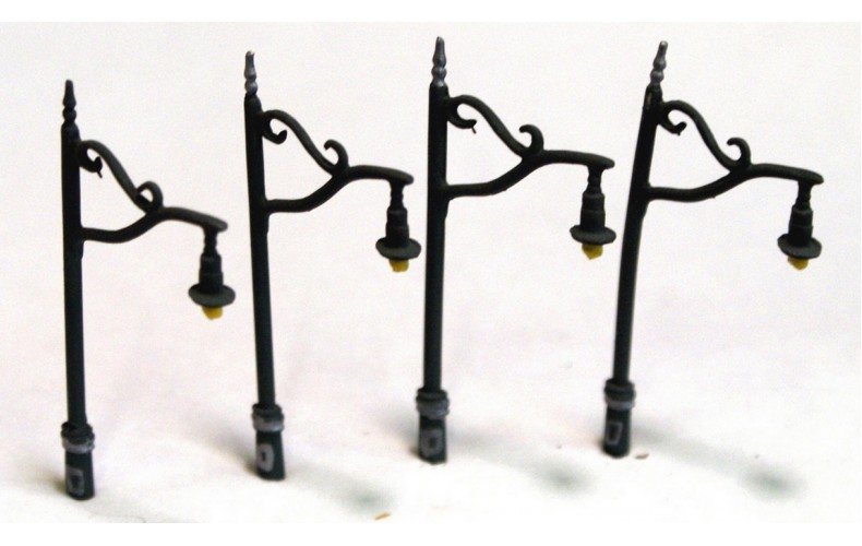 D20 4 x Tall Station Lamps Single Head Unpainted Kit N Scale 1:148