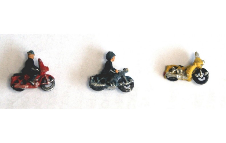 E49 3 Motorcycles and 2 riding figures Unpainted Kit N Scale 1:148