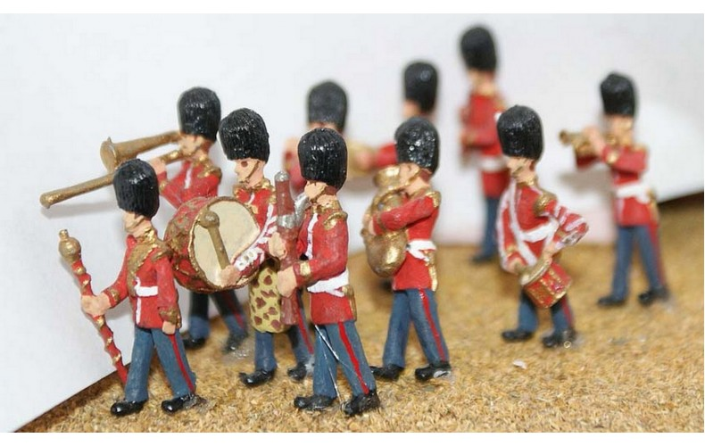 F109p Painted Guards Band (10 figures) OO scale 1/76th