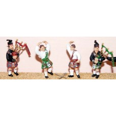 F109b 2 kilted Pipers & 2 Highland Dancers Unpainted Kit OO Scale 1:76
