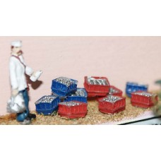 F113p Painted Milkman & Milk Crates OO 1:76 Scale Model Kit