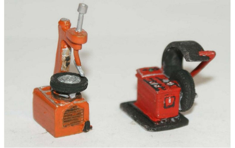 F116b Garage Machine, tyre remover & balancer F116b Unpainted Kit OO Scale 1:76