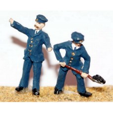 F119p Painted Loco Driver & Fireman OO 1:76 Scale Model Kit