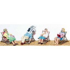 F121 4 deckchairs with figures Unpainted Kit OO Scale 1:76