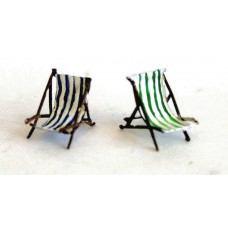 F121a 2 Empty deckchairs F121a Unpainted Kit OO Scale 1:76
