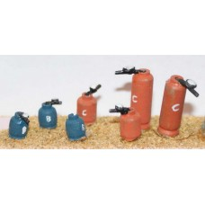 F122 6 assorted Calor Gas Cylinders F122 Unpainted Kit OO Scale 1:76