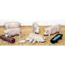F127p Painted Pigs / piglets and feeding troughs OO Scale 1:76 Painted Model