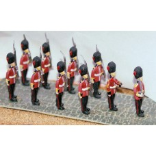 F12 10 Guards marching Unpainted Kit OO Scale 1:76