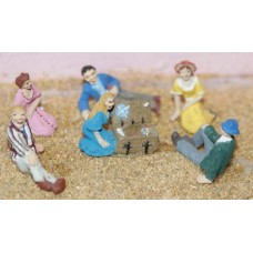 F135p Painted Picnic and lounging figures OO 1:76 Scale Model Kit