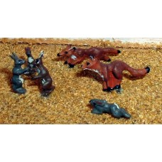 F145 Foxes, boxing Hares & rabbits Unpainted Kit OO Scale 1:76