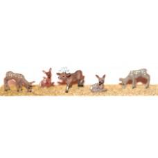 F149 4 assorted Deer & 1 stag Unpainted Kit OO Scale 1:76