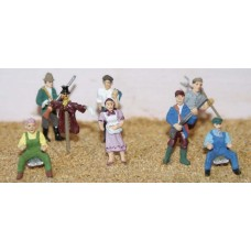 F154p Painted 8 x Farm Figures OO 1:76 Scale Model Kit