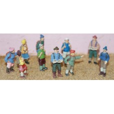F157 10 assorted Hikers Unpainted Kit OO Scale 1:76