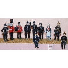F15 10 Uniformed figures of the 1920's Unpainted Kit OO Scale 1:76