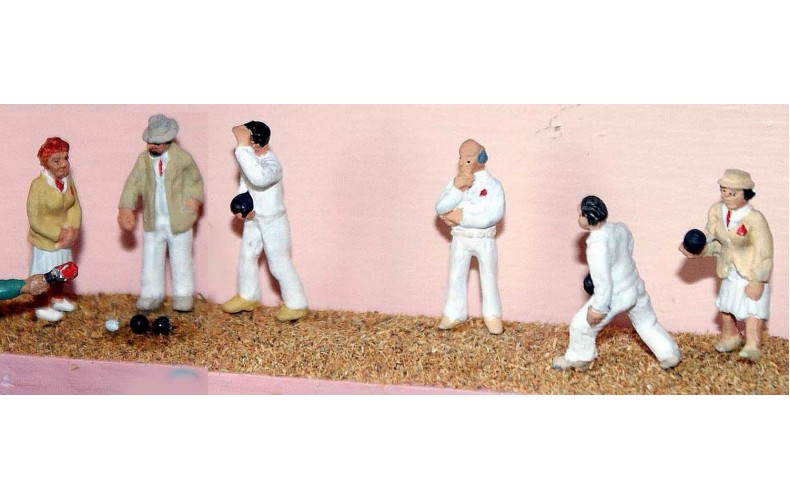 F168p Painted Lawn Bowls figures OO 1:76 Scale Model Kit