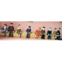 F16 10 Sitting figures of the 1920's Unpainted Kit OO Scale 1:76