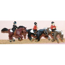 F183 3 Horses & Riders (galloping/jumping) Unpainted Kit OO Scale 1:76