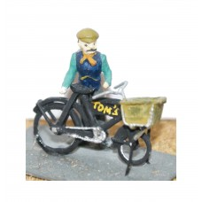 F18 Delivery Bike and man Unpainted Kit OO Scale 1:76