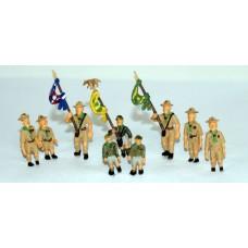 F197b pre 50's Cub/Scouts & flag bearers Unpainted Kit OO Scale 1:76