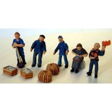 F207p Painted Quayside Figures & Equipment OO 1:76 Scale Model Kit
