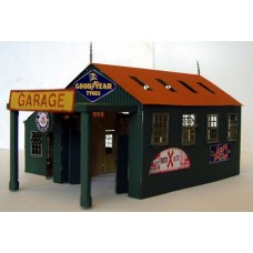 F209 Country Garage (incl folding doors) Unpainted Kit OO Scale 1:76