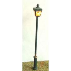 F215 Working street lamp kit square globe&LED  Unpainted Kit OO Scale 1:76
