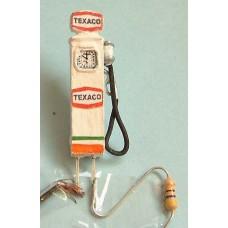 F225 Illuminated kit Petrol Pump  Unpainted Kit OO Scale 1:76