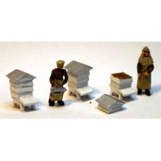 F234p Painted Beekeepers & Beehives (3 white boxes) OO 1:76 Scale Model Kit