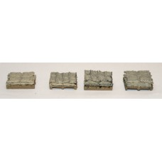 F243 4 x Lightweight pallets and sack loads F243 Unpainted Kit OO Scale 1:76