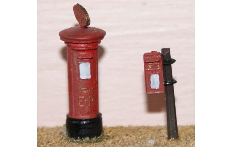 F24b 2 x E.R. Pillar Boxes F24b Unpainted Kit OO Scale 1:76